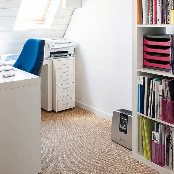 purificateur d 39 air puissant et silencieux pour chambre ou bureau. Black Bedroom Furniture Sets. Home Design Ideas